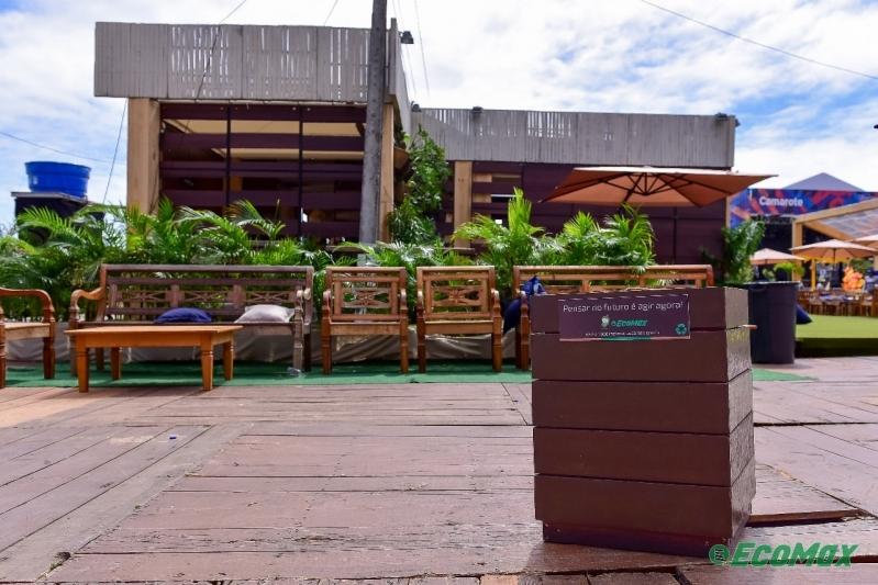 Fabricante de Lixeira em Madeira Plástica Sustentável Vitória - Lixeira Ecológica de Madeira Plástica para Empresa
